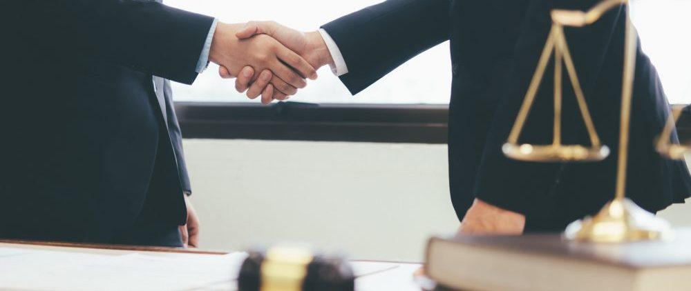 Πόσο κοστίζει η αμοιβή δικηγόρου για τη νομική διεκδίκηση αναδρομικών; |  BCLA - Δικηγορική Εταιρεία